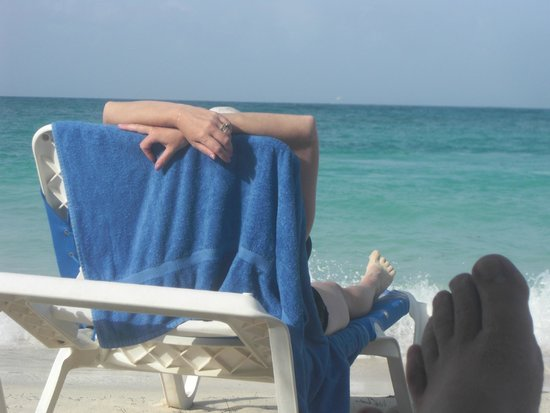 VIK Hotel Arena Blanca: relaxing at the beach