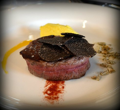 La Cucina di San Pietro a Pettine : Filetto con tartufo nero. Black truffle fillet