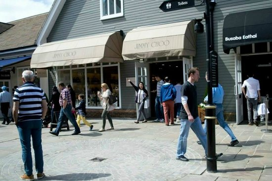 Bicester Village: Wooohooo I got an awesome deal!!!!