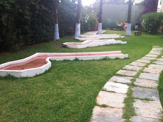 Hotel Paradis Palace : mini golf...