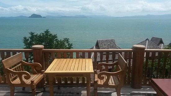 Santhiya Koh Yao Yai Resort & Spa: outside the room. Ocean View pool villa