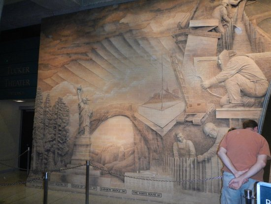 Gateway Arch : Some of the Museum items