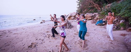 Xinalani Retreat : Beachfront Yoga