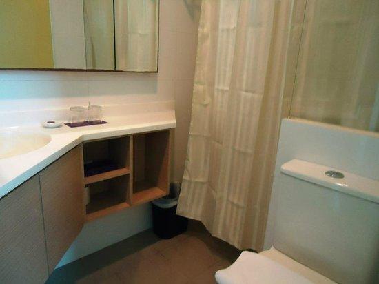 Aqueen Hotel Lavender: toilet