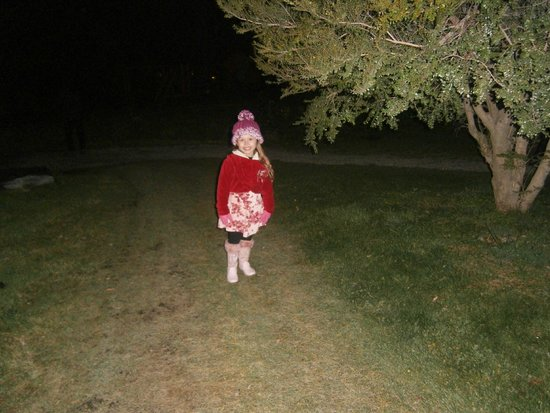 Villa Huinid Resort & Spa: Minha filha próxima à cabana.