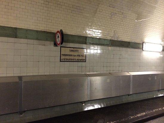 Alter Elbtunnel: Midten af tunnelen