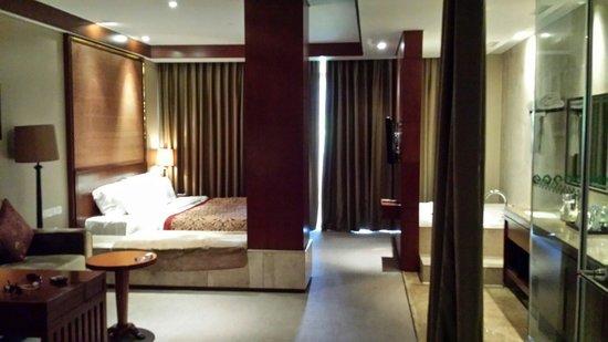 Gloria Resort Xiao Nanhu Xuzhou: Our suite.