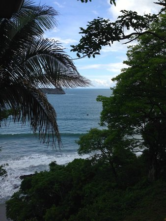 Arenas del Mar Beachfront & Rainforest Resort: View from our room