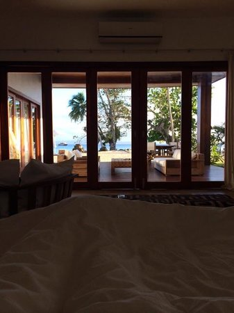 Tides Reach Resort : Gorgeous view from the bed in the morning