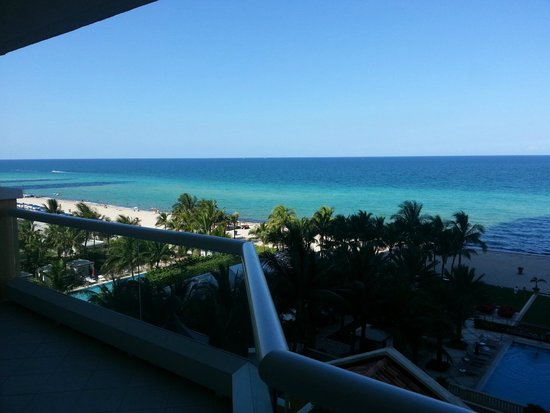 Acqualina Resort & Spa on the Beach : Amazing view
