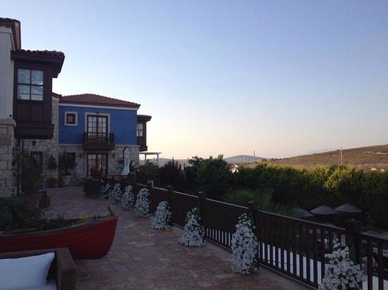 Alacati Kapari Hotel : Hotel and view