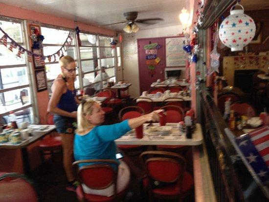 Hideout Restaurant: Just Couple Girls That Were Board