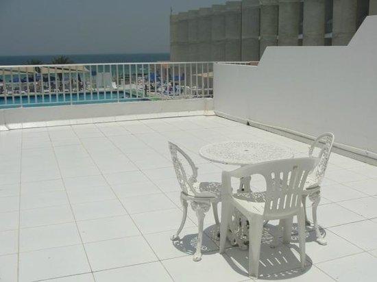 Sharjah Beach Hotel: балкон-терраса