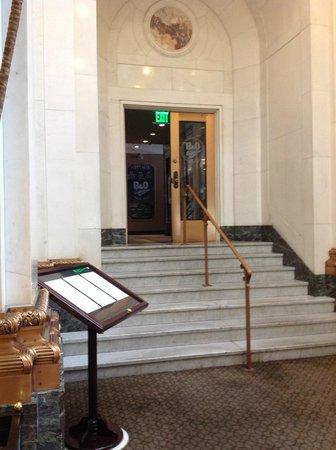 Kimpton Hotel Monaco Baltimore Inner Harbor : Entrance to Dining area