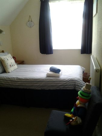 Blue Waters Lodge : Twin in Family Suite