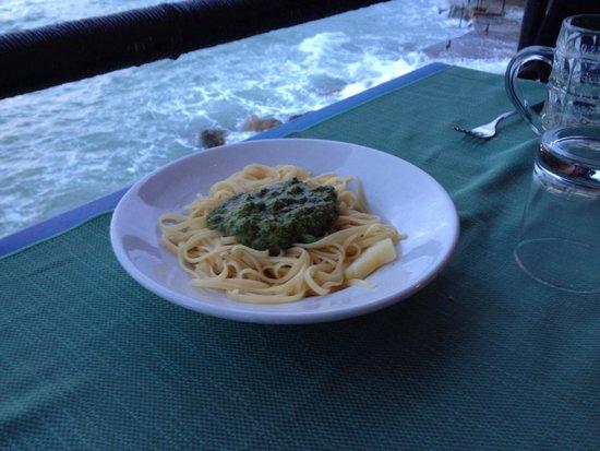 Ciccillo a Mare: Spaghetti al pesto..!!
