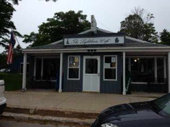 Lighthouse Cafe: Front of restaurant