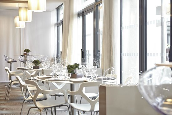 Novotel Avignon Centre: Restaurant