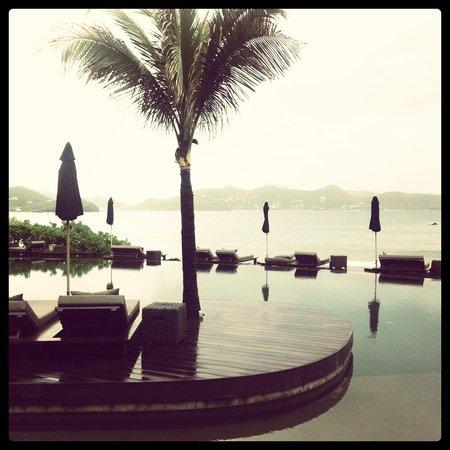 Christopher St Barth : The piscine avec la vue panoramique