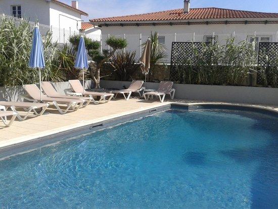 Hotel Face aux Flots : la piscine