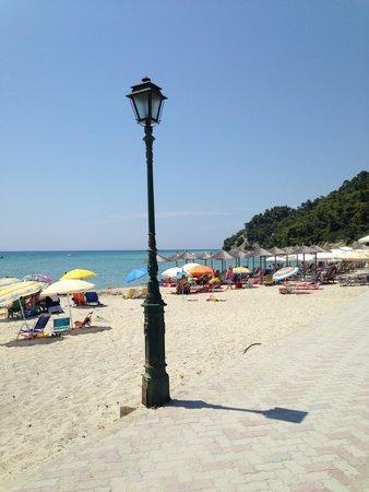 Hotel Stathis: μια μικρή ιδέα από την παραλία