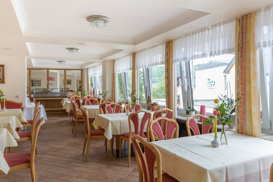 Hotel Schneider am Maar: Restaurant mit Maarblick