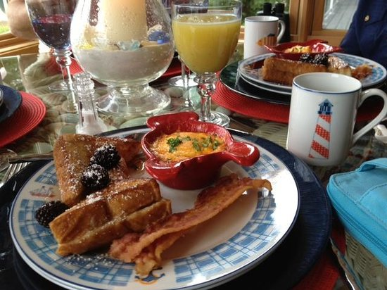 A Lighthouse on Hammersley Bed and Breakfast: Five Star Breakfast