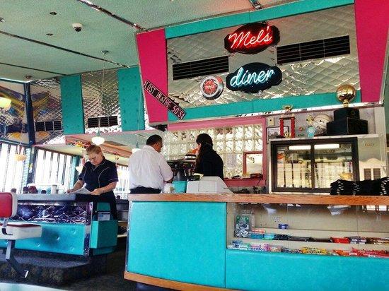 Mel's Diner: Front counter