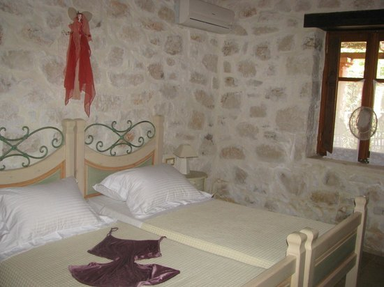 Paliokaliva Village: Bedroom 1