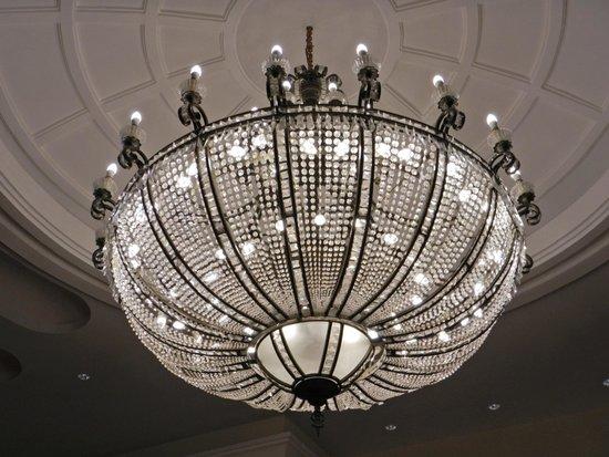 Iberostar Grand Hotel Paraiso: Люстры