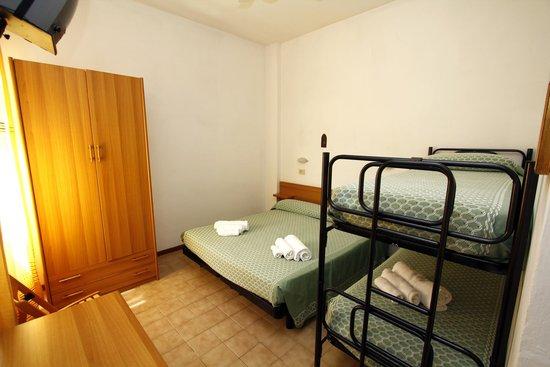 Hotel Miami Spiaggia: Camera da letto