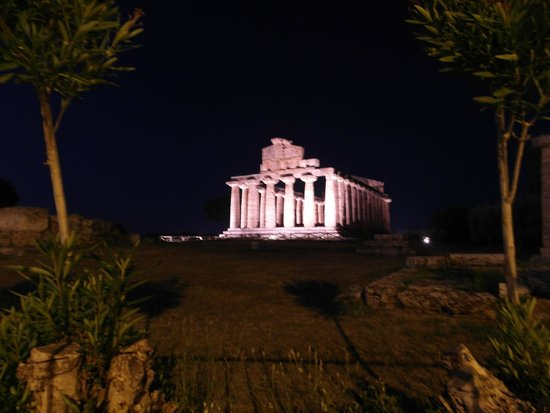 Museo Archeologico Nazionale di Paestum : Temples at Nighttime.