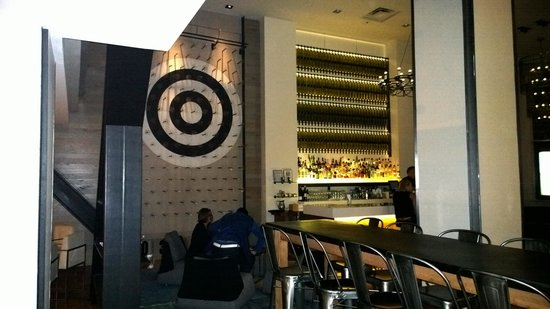 Hotel Zetta San Francisco: Lobby bar and soccer plinko game