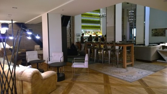 Hotel Zetta San Francisco: Lobby and bar