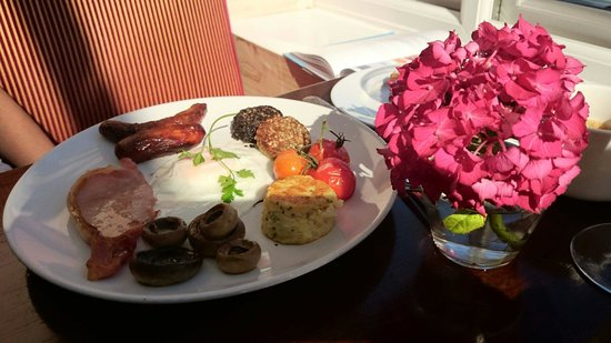 Ariel House: Full breakfast
