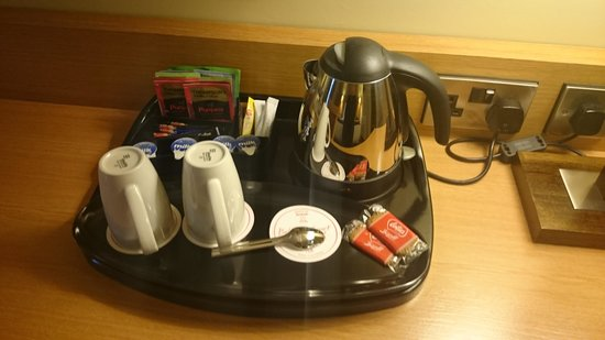Belmore Court Motel: Tea desk