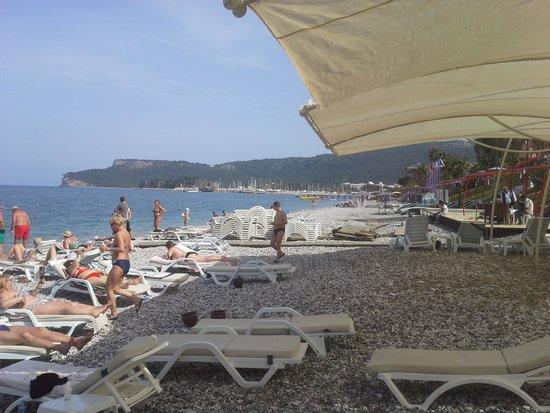Crystal De Luxe Resort & Spa : Den privata stranden