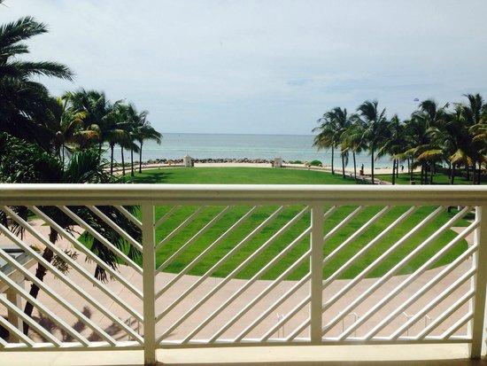 Grand Lucayan, Bahamas: Overlook from check in at main house.
