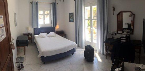 Adonis Hotel: Camera 408 doppia uso singola con patio privato