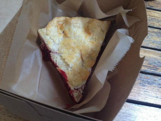 Bread and Roses Bakery : Raspberry pie