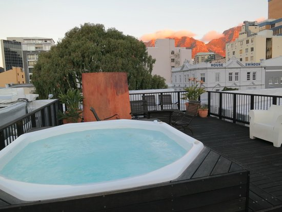 Cape Heritage Hotel: Jacuzi on top of the hotel.