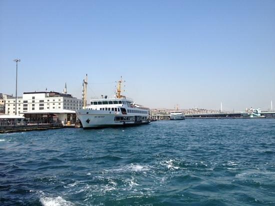 Bosphorus Strait: Eminönü pier