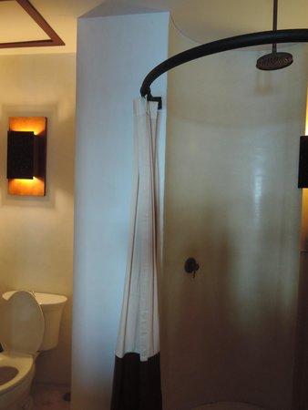 The Kala Samui: shower