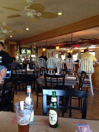 Ketch 55 Seafood Grill: Nice bar.