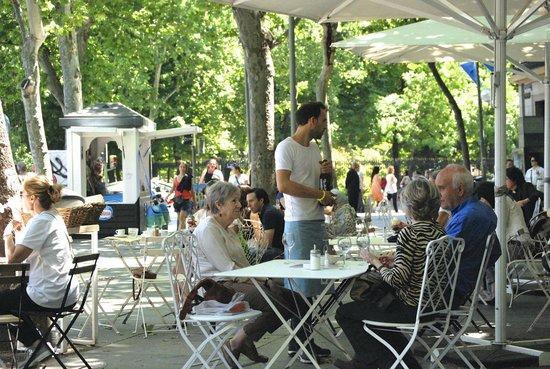 Harina : Comiendo en [h]arina Plaza de la Independencia Terraza