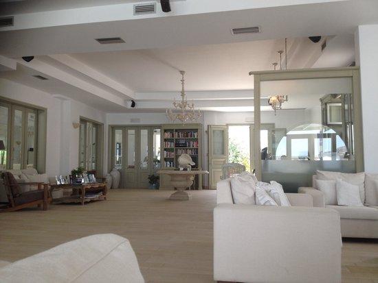 Saint Andrea Seaside Resort: Lobby