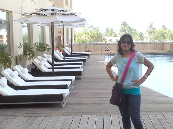 Four Points By Sheraton Hotel & Serviced Apartments, Pune: Swimming pool area