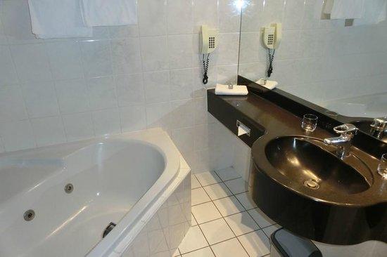 Hotel International : Badezimmer