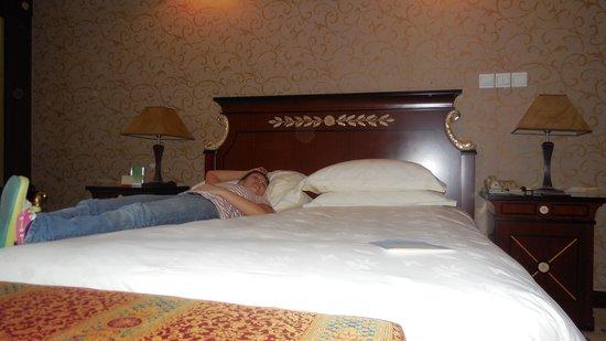 Salvo Hotel Shanghai: Descansando en la hab