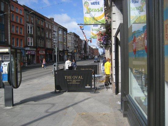 The Oval Bar: Abbey Street